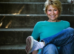 "Dee Wallace, actress, writer, adviser and friend of Talkin' Pets will join Jon and the crew this Saturday 1/18/14 at 5 PM EST to discuss the 30th Anniversary of ""CUJO"", her upcoming book and much more"